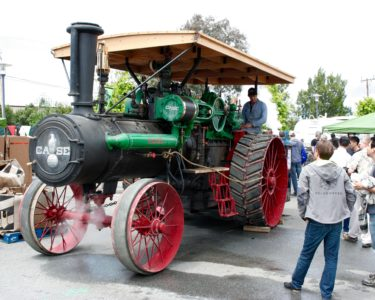 Steam powered Case tractor...